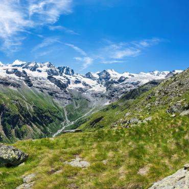 grand paradiso hiking tour