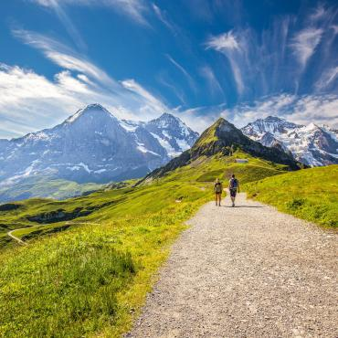 hiking bernese oberland